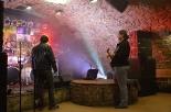 Dokumentární fotografie: před vstupem na stage