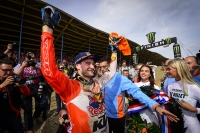 Jeffrey Herlings slaví titul